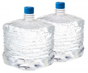 お水の入ったボトル